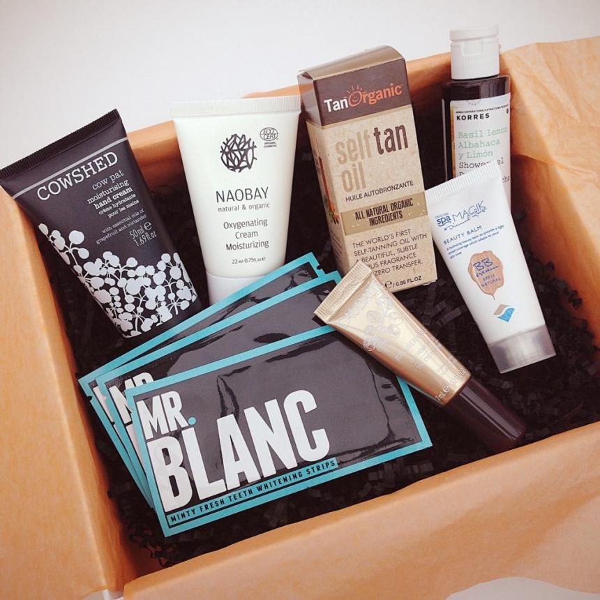 June 2016 Lookfantastic Beauty Box Unboxing