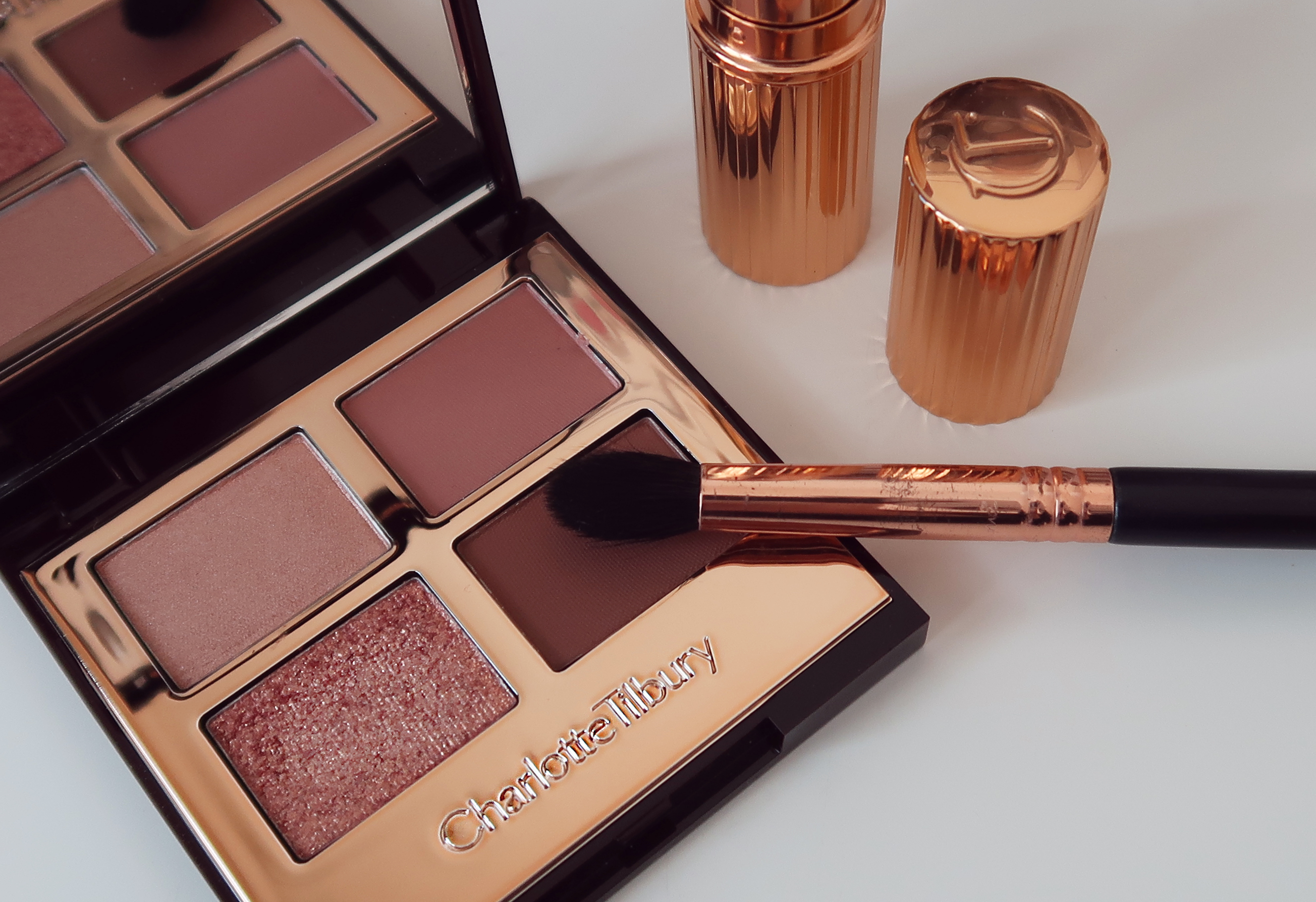 Charlotte Tilbury Pillow Talk Luxury Palette review - Rachael Divers Makeup  Artistry